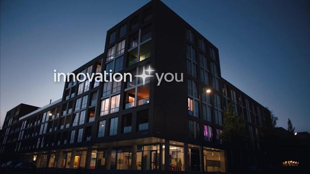 Philips Hue Indirekte Beleuchtung 71901/55/PH LightStrip Plus, EU/GB, Basis, mehrfarbige LEDs Video 19