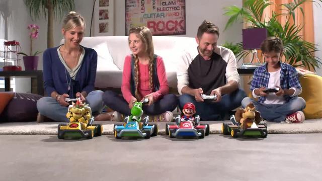 Carrera RC - Mariokart Familie Video 8