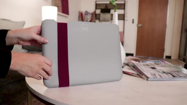 Acme Made - Skinny Sleeve grau/fuchsia Video 3