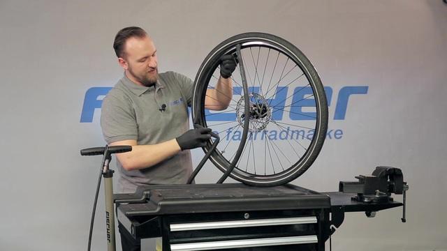 Fischer - Reparatur und Wartung - Reifen-/Schlauchwechsel Video 33